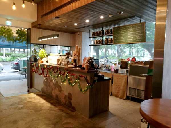 カウンター-Twin Brothers Cafe:台北東区でゆっくり読書ができるカフェ-idobon.com